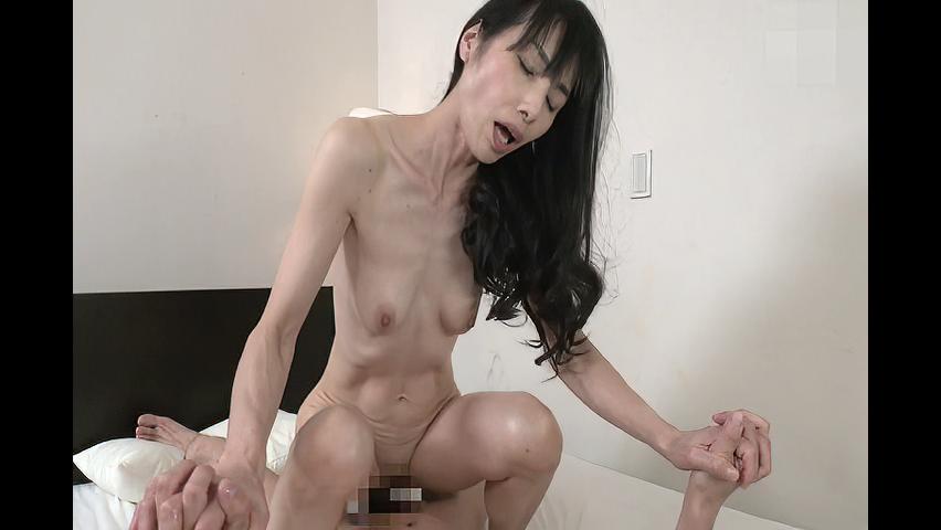 鶴川牧子 「娘には内緒よ!」53歳の義母の欲求不満を見た娘婿が欲情してハメちゃう!
